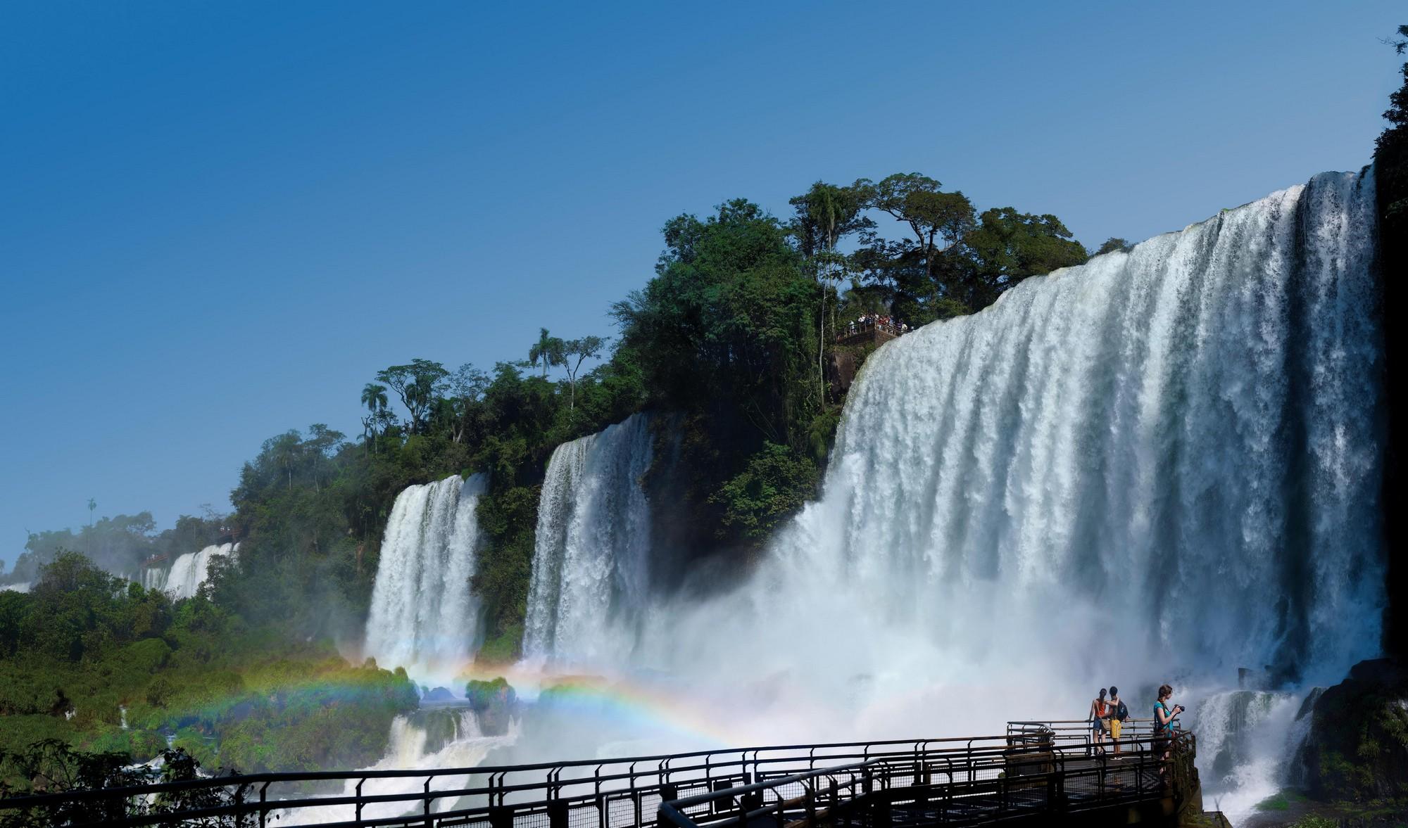 Natural-Turismo-de-Naturaleza-Parques-Nacionales-Cataratas-del-Iguaz¦-2k